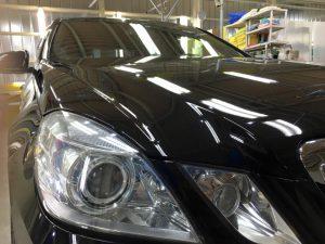 3メルセデスベンツE550・スタンダードコーティング(助手席側ヘッドライト付近)