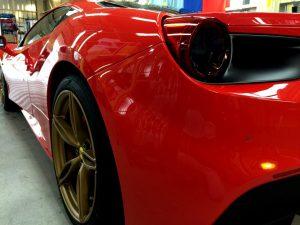 フェラーリ488・エシュロンゼンゼロ・左後方より