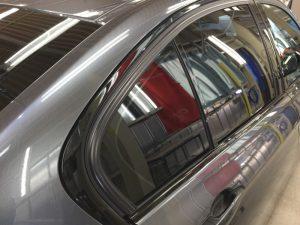 BMW320dMスポーツ・エシュロンクラリード・サイドガラス