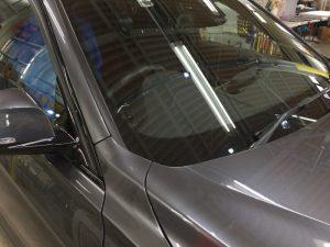 BMW320dMスポーツ・エシュロンクラリード・フロントガラス