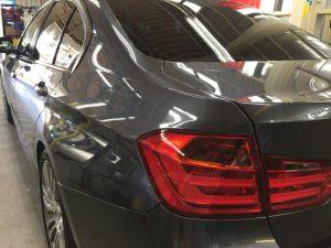 BMW320dMスポーツ・プレミアムコーティング後の助手席側後方より