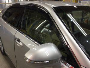 クラウン・ハイパービューコート後の運転席窓