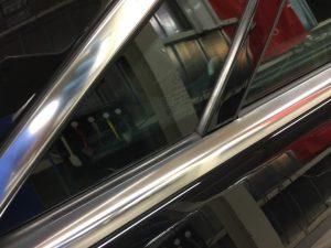 ベンツE・モールクリーニング・運転席側後部ドアAfter