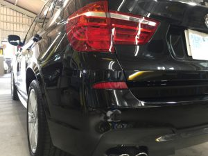 BMWX3・ジーゾックス・ハイドロフィニッシュ施工後の助手席側テールレンズ付近