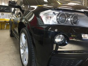 BMWX3・ジーゾックス・ハイドロフィニッシュ施工後の運転席側ヘッドライト付近