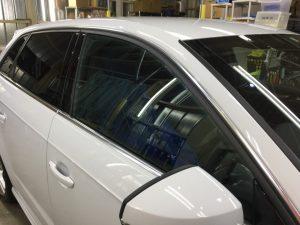 アウディA3・窓ガラスコーティング・運転席側窓ガラス
