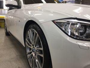 BMW3ツーリング・ハイドロフィニッシュ施工後の運転席側フェンダー周り