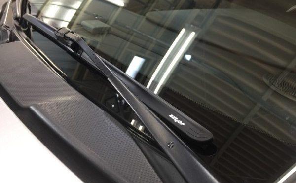 ポルシェ911(996)・ワイパーの付け根