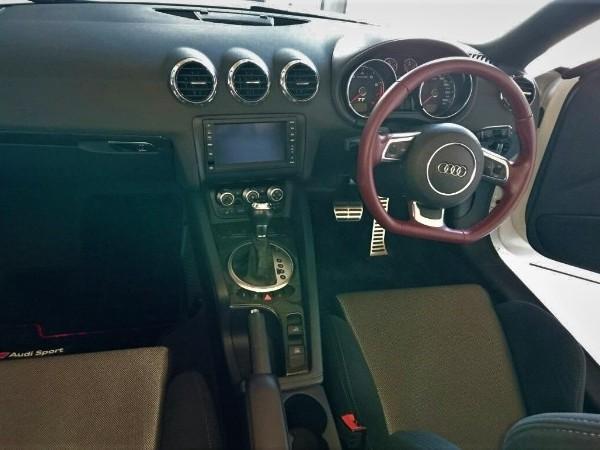 アウディTT・プレミアム車内クリーニング後の運転席