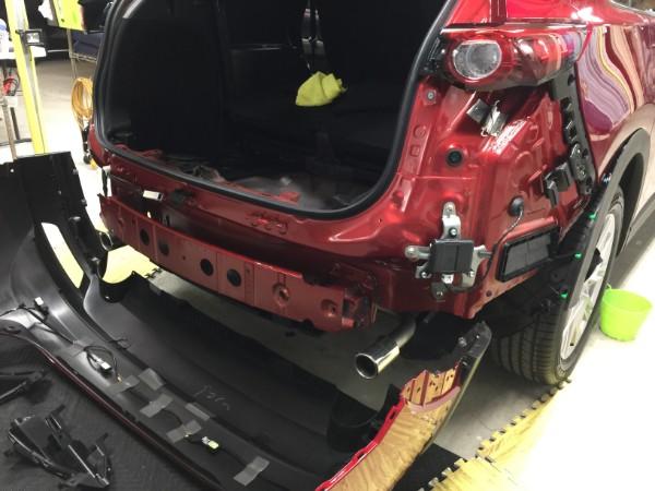 CX-8・LEDリフレクター&リアゲートフットセンサー取付中