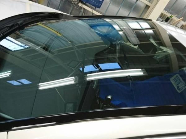 プジョー508・窓ガラスコーティング施工後のフロントガラス