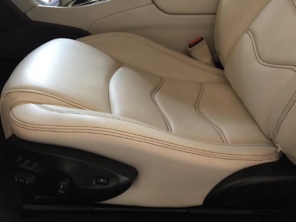 ギブリ・インテリアコーティング後の運転席