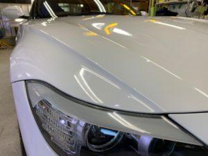 BMWZ4・スタンダードコーティング後の右ヘッドライト付近