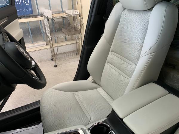 CX8・インテリコーティング後の運転席2