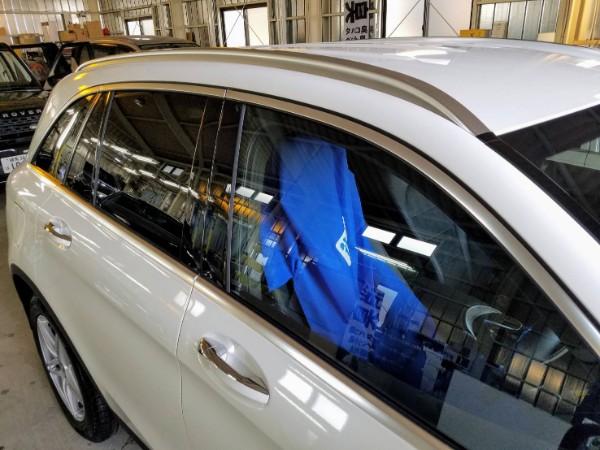 メルセデスベンツGLS・メッキモールコーティング&窓ガラスコーティング後の運転席ドアガラス付近