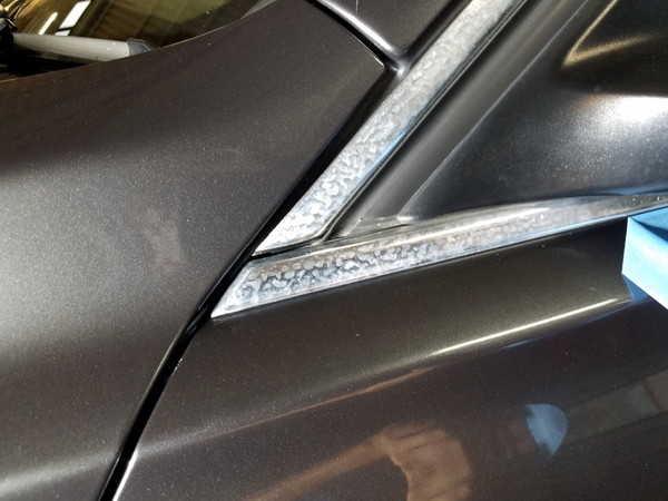 BMW3・窓枠メッキモールクリーニング&コーティング作業前2