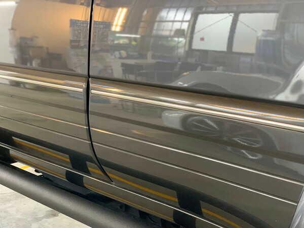 ランドクルーザー(100系)・プレミアムコーティング後のドアステップ付近