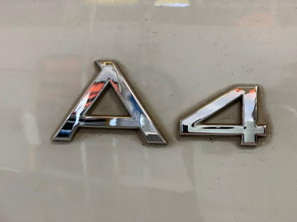 アウディA4・プレミアム手洗い洗車・Before
