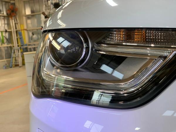 アウディA4・ヘッドライトクラック除去+プロテクションフィルム施工After